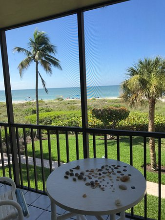 Ocean's Reach Condominiums: Wonderful stay, great for families and relaxing. Comfortable clean rooms. Washer and dryer in th