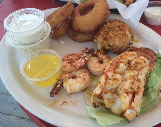 Hunlock Creek, PA: Special which included lobster tail, crabcake, three shrimp, onion rings and coleslaw.