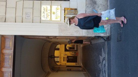 Hotel Pensione Barrett: 20170615_181339_large.jpg