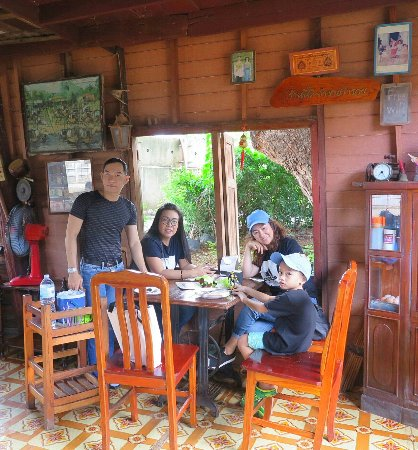 Sing Buri Province, Thailandia: บรรยากาศดีริมแม่น้ำเจ้าพระยา อาหารอร่อย เป็นองค์รวมที่ครบถ้วนสมบูรณ์ครับ