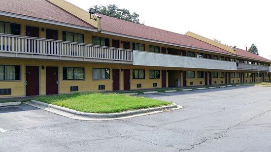 Motel 6 Charlotte NC Airport ภาพถ่าย