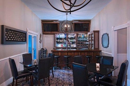Salado, Техас: Main Bar