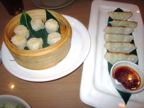 Tako Japanese Restaurant : Shumai (steamed shrimp dumplings) & Gyoza (fried pork dumplings)