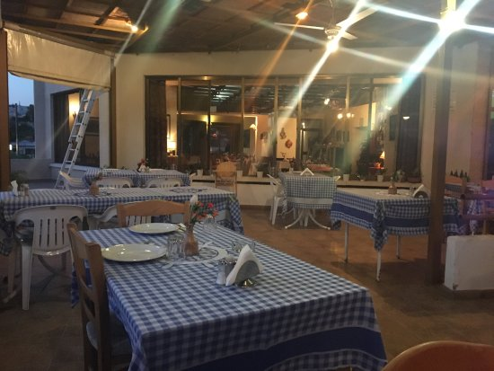The Yialos Tavern : photo2.jpg