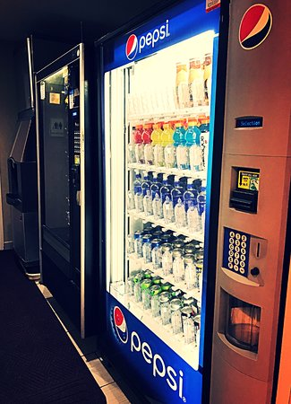 Super 8 Madison East : Vending/Snacks