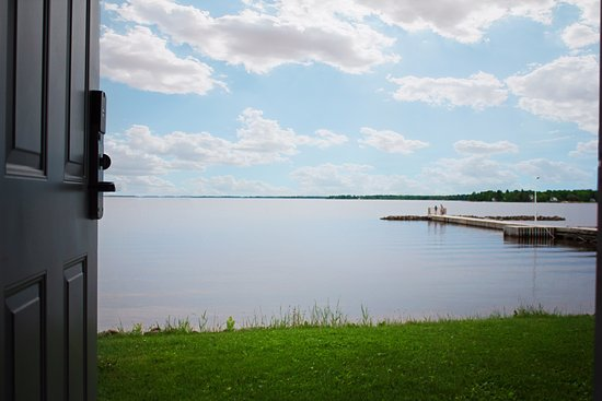 Fort Frances, Canadá: View from Lakeside, Main Floor