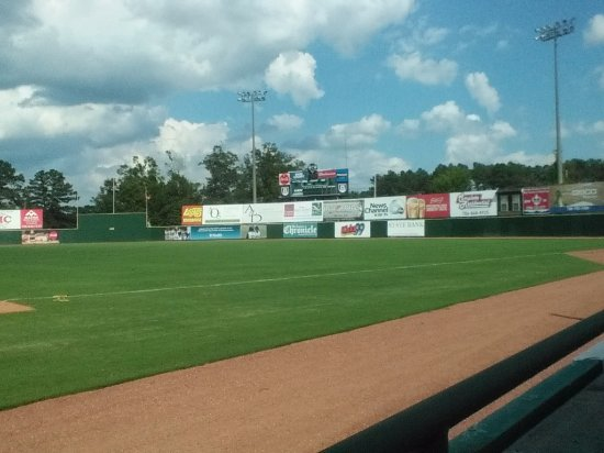 Augusta, GA: Lake Olmstead right field and scoreboard