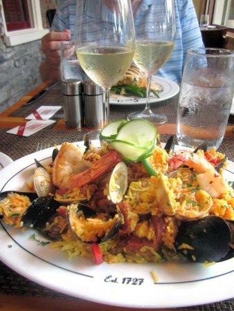 Logan Inn: Paella - delicious!