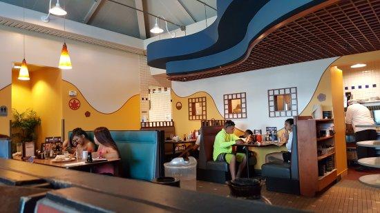 Pearl City, هاواي: Restaurant seating
