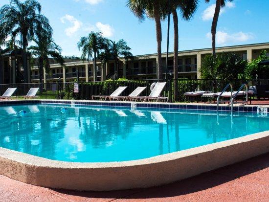 Winter Haven Gardens Inn Banquet Center Updated 2017 Hotel Reviews Price Comparison Fl