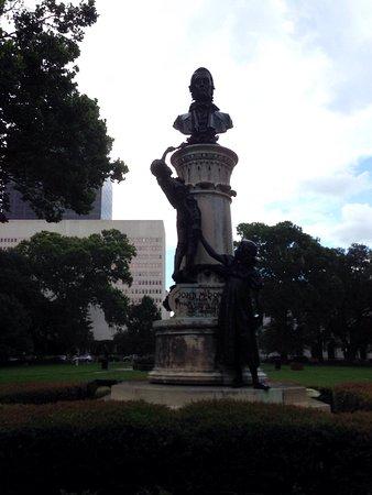 Lafayette Square: photo4.jpg