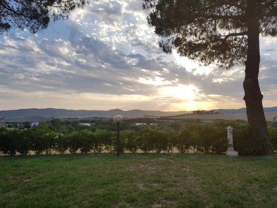 Santa Luce, Italia: Vue du jardin