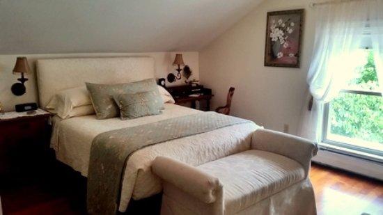 Interlaken, NY: Buona Fortuna - Good Fortune Room en suite