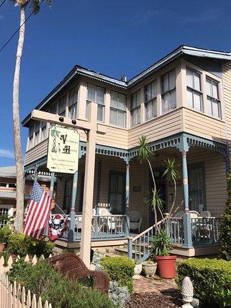 Victorian House: photo0.jpg
