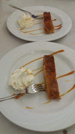 Calliano, Italia: dessert tipico trentino