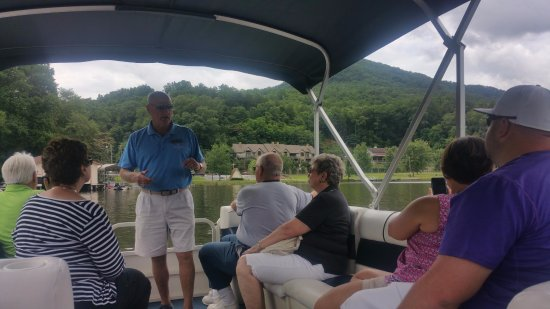Lake Lure, NC: Boat Cruise on the Lake...a lot of history!