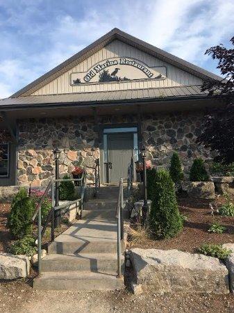 Puslinch, Canada: The restaurant's facade