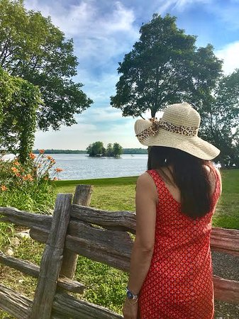 Puslinch, Canada: That's me enjoying the view while waiting for our table. :)