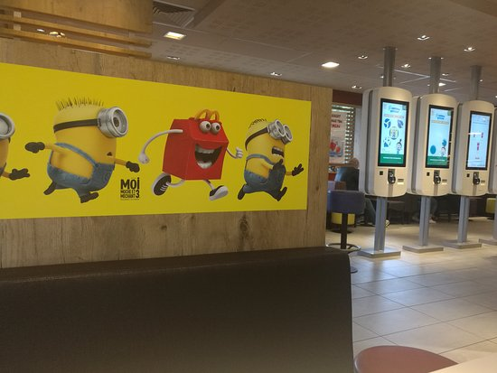 Le Coudray, France: McDonald's