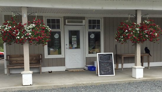 Agassiz, Canada: Storefront view of Farm Shop.