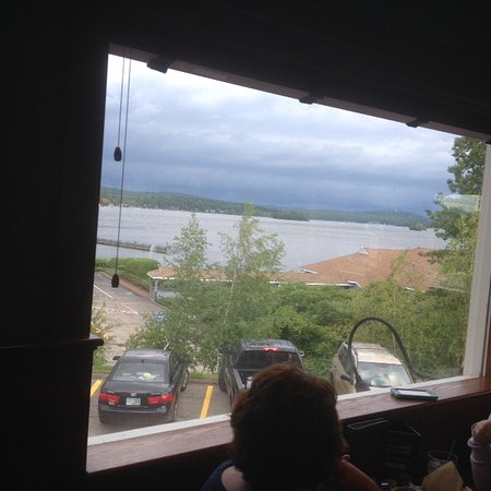 T-BONES Great American Eatery : View of the Lake from T-Bones Dining Room