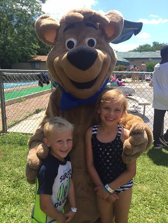 Fremont, WI: A great time with Boo Boo and the gang at Jellystone!