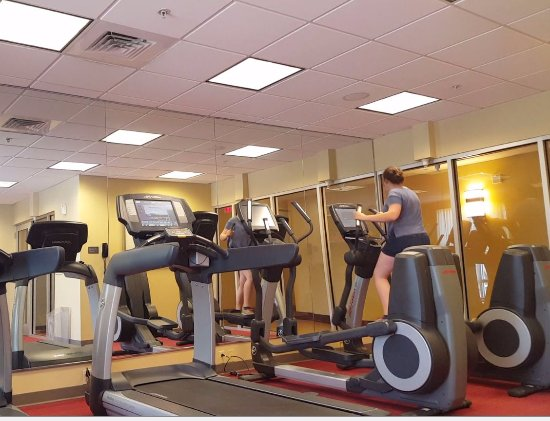 Hyatt Place Fort Myers at The Forum: There are also free-weights to use, and free ear plug.