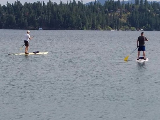 ‪‪Hayden‬, ‪Idaho‬: Paddleboarding Honeysuckle Bay and Beach.‬