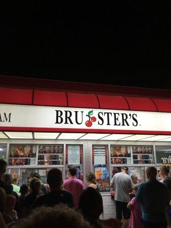 Potret Bruster's Real Ice Cream