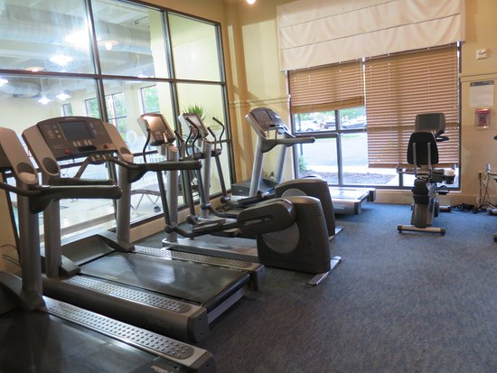 Sheraton Tarrytown Hotel: fitness room - room key needed for access