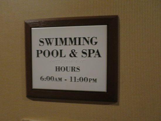 Sheraton Tarrytown Hotel: pool & spa hours