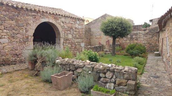 Casa Aragonese