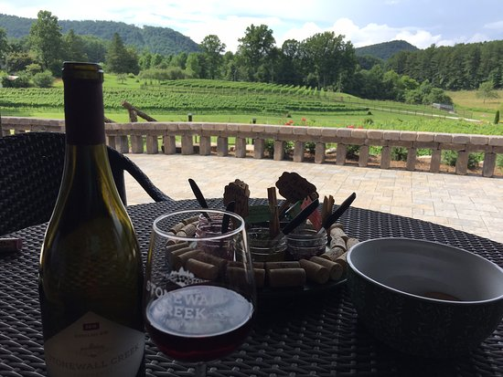 Tiger, GA: Sip while enjoying the view!