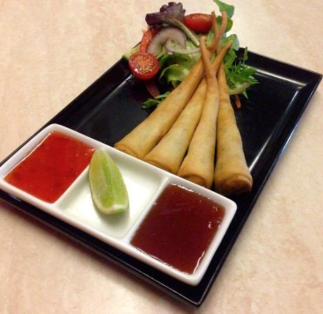 Coolum Beach, Australia: Garlic Prawn Spring Rolls are just as delicious as they look! Sensational!