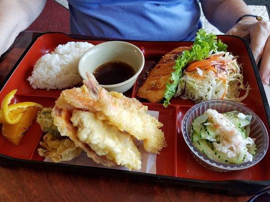 KAMEI SUSHI: photo0.jpg