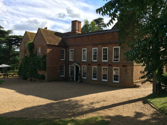 Flitwick, UK: Front of house