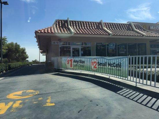 Fontana, CA: McDonald's