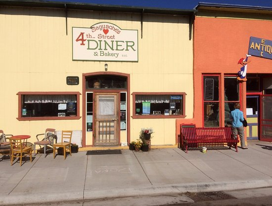 4th Street Diner & Bakery: historic building