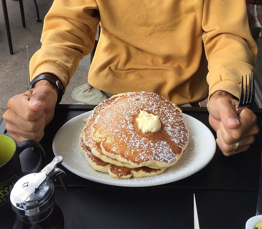 Colossal Cafe: photo1.jpg