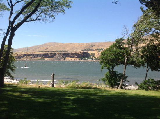 Columbia River Gorge: Windsurfers