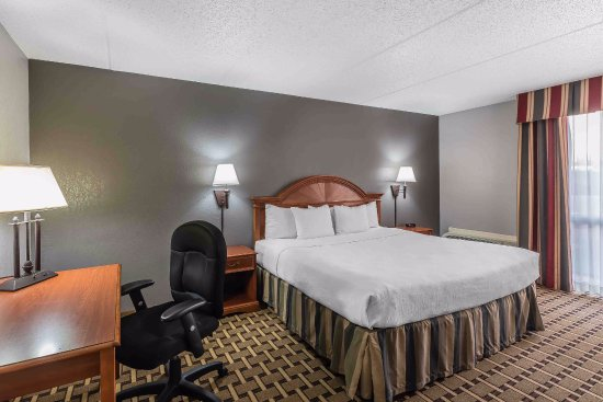 FairBridge Inn & Suites: King Suite