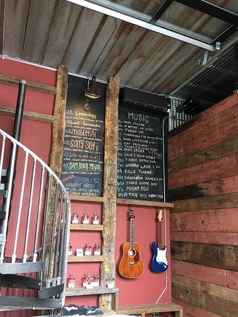 Elk Rapids, MI: Great 🍹 drinks!!