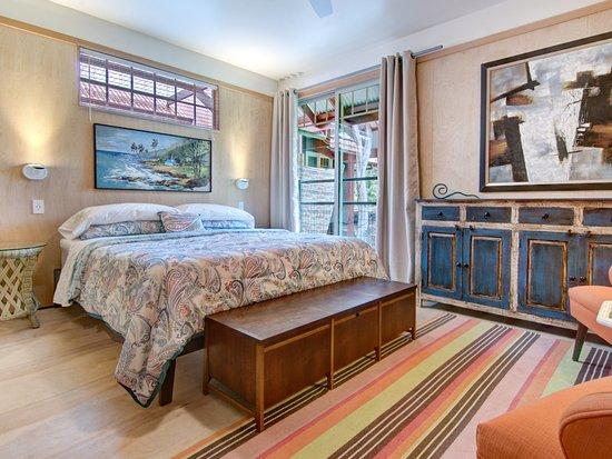 Hale Ohia Cottages: HO2-2-King size bed