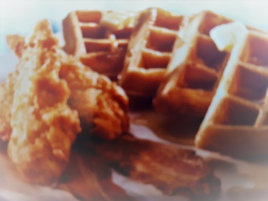 Sechelt, แคนาดา: MMM Chicken and Waffles.