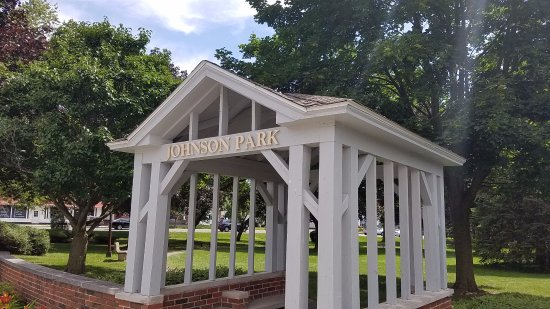 Liverpool, NY: gazebo entrance