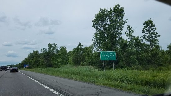 Brewerton, Nova York: entrance sign