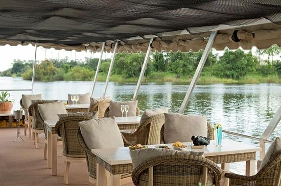 Sundowner Cruise on Zambezi River