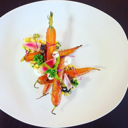 Ventnor City, Nueva Jersey: Curred Roasted Carrot, Pickled Shishito Peppers, Golden Lentils, Red Onion