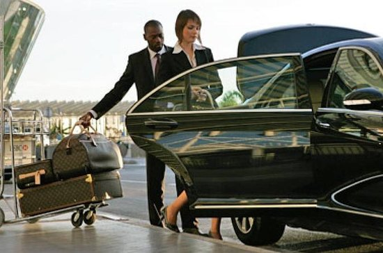 Low Cost Private Transfer From Düsseldorf International Airport to...