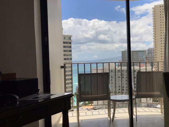 Waikiki Beach Marriott Resort & Spa: View from inside room